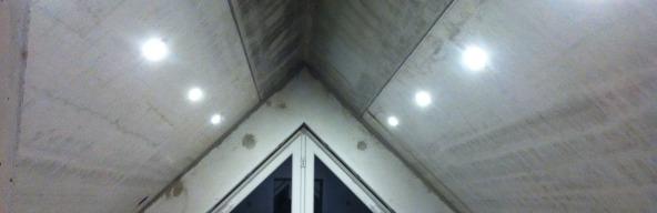 Leichtbauwand & 132 Lampen
